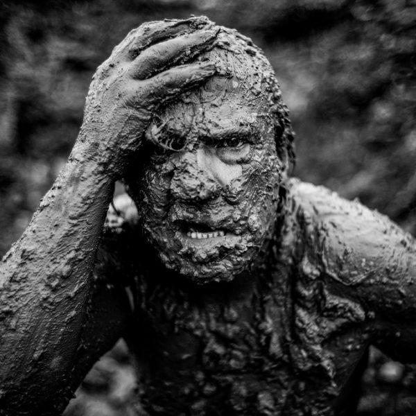 © Corentin Fohlen/ Divergence. Mon oncle est un tre de chair, de boue et de sueur...
